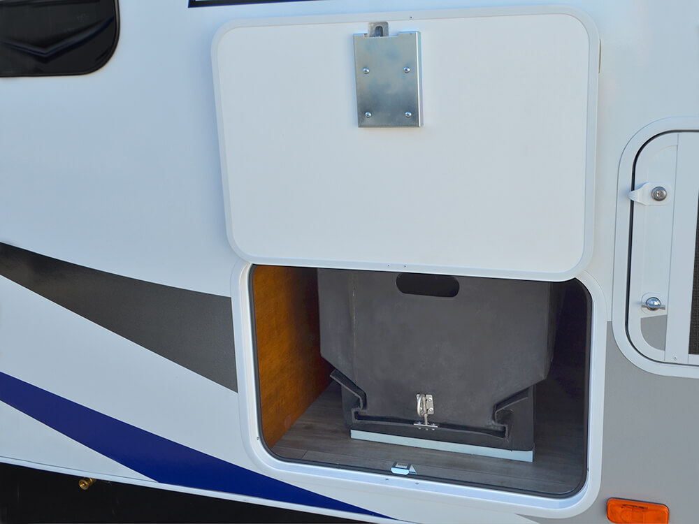 Lance 1575 Travel Trailer Super Slide Amp 2650 Dry Weight Small Is The